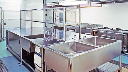 多段オープンケースから厨房機器、設計・内装・施工・給水・ガス・配管・電気工事など、当社で一括お引き受けが可能です。